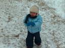 Nicolò fa a palle di neve per la prima volta!